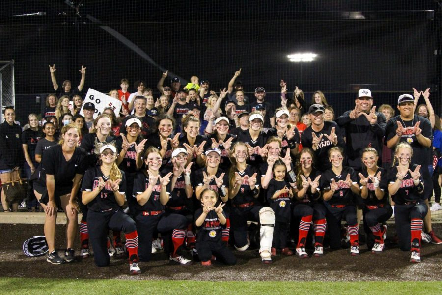 The Leopards won both games in the three-game series against Sulphur Springs. The team will play tomorrow and Thursday in the fifth round of playoffs.