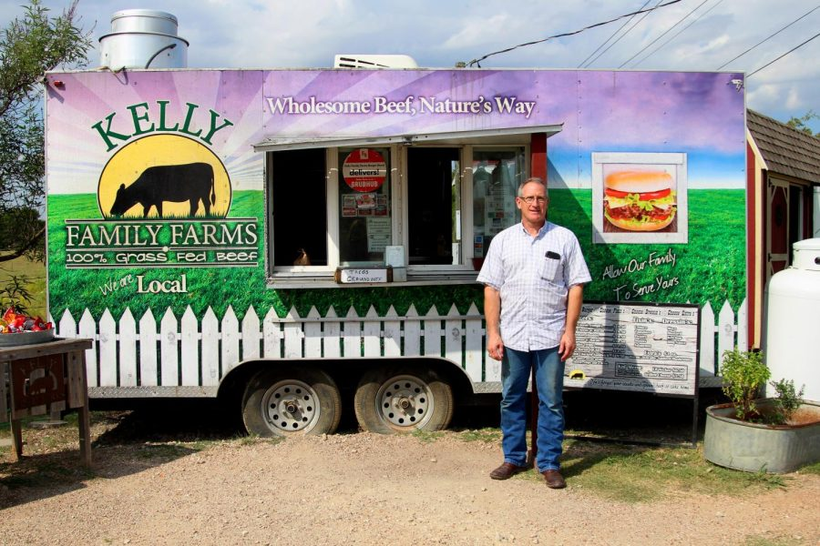 Kelly+Family+Farms+co-owner+Chris+Kelly+started+the+burger+place+with+his+brother.+The+Kellys+have+run+their+business+off+of+Lucas+Road.