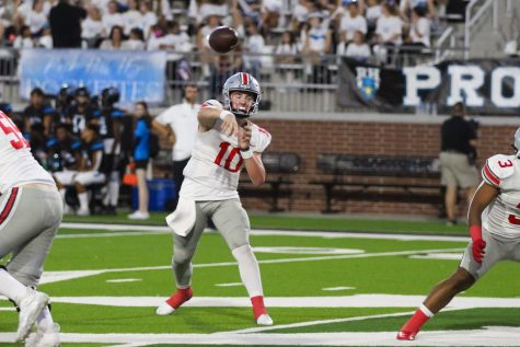 Sophomore quarterback no. 10 Alexander Franklin throws the ball to junior wide receiver no. 2 Jaxson Lavender. Franklin threw for six touchdowns.